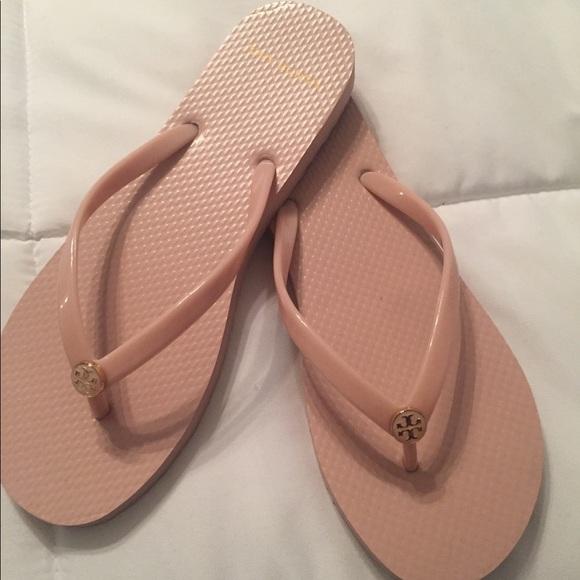 3e1aaeb0971 Seashell pink Tory Burch flip flops NEVER WORN! M 5b7cef4cb6a942d540c2ca1b